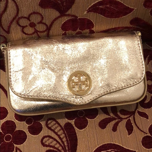 Tory Burch Handbags - Tory burch small crossbag (from sister's closet)